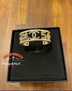 Chanel 半開淡金色手環