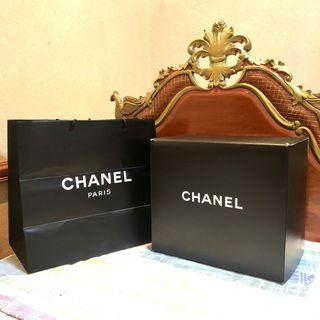 CHANEL AUTHENTIC BOX AND PAPERBAG (similar: Louis Vuitton)