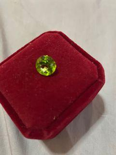 Loose peridot stone
