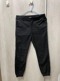 Navy男黑長褲M