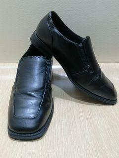 Sonoma Size 5 Boy Loafers
