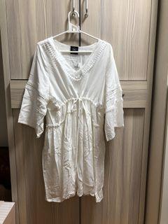 波西米亞風的白色洋裝