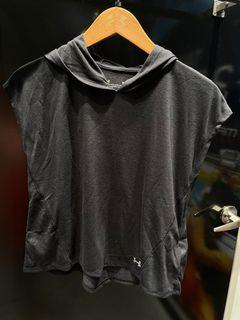 免運費、 Outlet 零碼出清、全新正品Under Amour 女短袖Xs,S號,版大1號