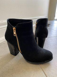 Ankle black boots - vegan leather
