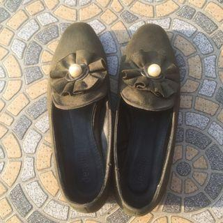 flat shoes suede army green