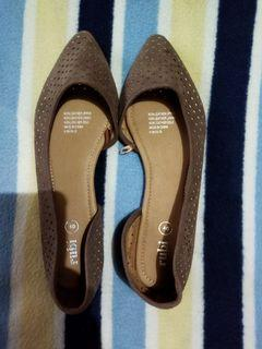 Rubi (cotton on) brown pointed shoes