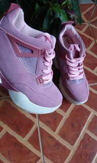 Sepatu Sneakers Wedges Sport Wanita