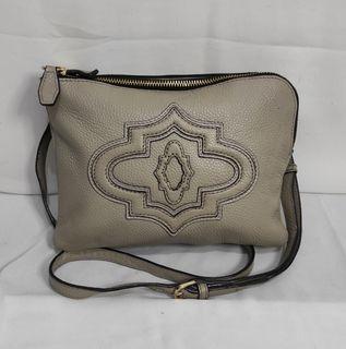 Sling bag OrYani like new