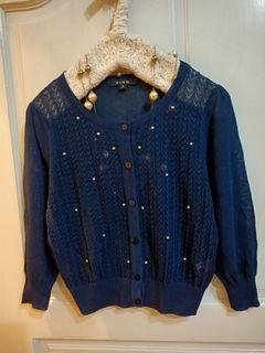 XING 專櫃 近新 鑽飾雕花紋路 深藍薄外套 冷氣房外套