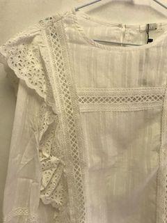 蕾絲白色上衣