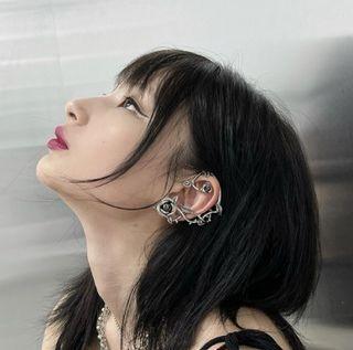 (單只耳環)暗黑系玫瑰耳骨耳環 無耳洞可用個性單只耳環 個性單品 個性耳飾 暗黑系穿搭 誇張耳飾 AC173