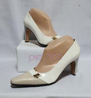 SALVATORE FERRAGAMO White Heels Size 8 D
