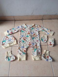 Set Baju Bayi Laki2 4 in 1/Baby Boy Suits Velvet Junior Motif Binatang 3 Months Murah
