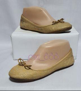TORY BURCH Beige Doll Shoes Flats Size 6 M