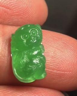 冰陽綠猴子,雕工精細 尺寸15/8/3.8mm