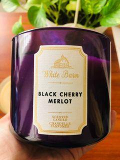 Bath & Body Works / White Barn 3-wick candle Black Cherry Merlot