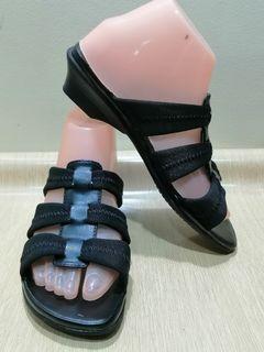 Easy Spirit Size 7.5 Women Sandals