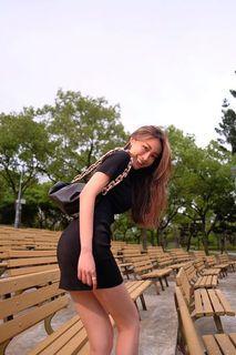 LOVELIN 【時尚態度】冰麻針織連衣裙 黑色S號 圓領短袖合身洋裝