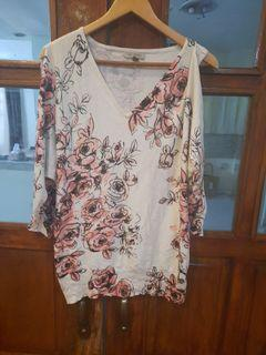 ROZ &ALI KNITTED FLORAL BLOUSE
