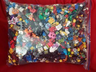 5 lbs of LEGO Minifigures & Accessories
