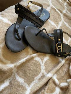 Black & gold Guess sandals