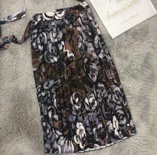 Looking for this Kamiseta skirt