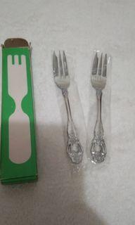 New 2pcs Dessert Fork