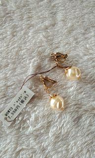 Rock Pearl Earrings fr Japan