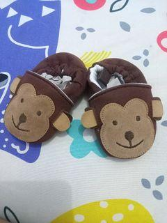Sepatu monkey coklat