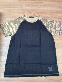 UNIQTEE Black Camo Sleeve T-Shirt