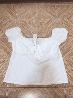 White puffed sleeves top