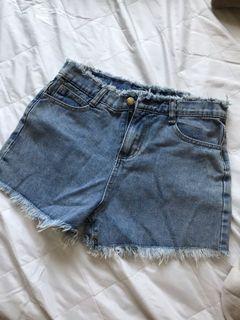 全新!牛仔短褲