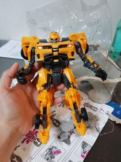 HUGE Transformers Bumblebee (Transforming)