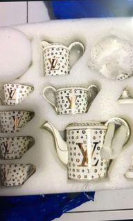 Set Of Louis Vuitton Tableware ( 11Pcs )
