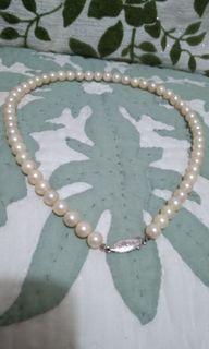 1.Pearl Necklace Silver Lock