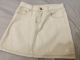 米白 車線 牛仔裙