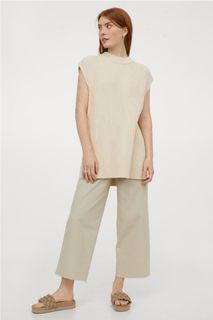 BNWT H&M Wide Cut stretchy Denim pants/jeans light beige ankle cropped length size 4