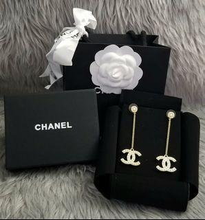 ☆1 PAIR ONHAND☆ CC Light Gold with Pearls Dangling Earrings
