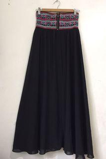 Embroidered Smock back Strapless Dress