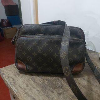 Louis Vuitton Nile GM lv not gucci prada
