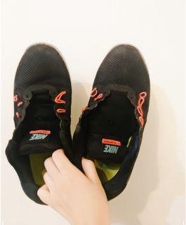 Nike門市購入/原價3.4000的Nike 運動鞋#斷捨離