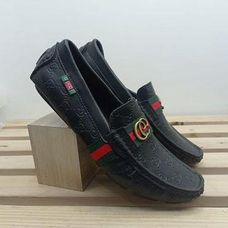 Gucci loafers for man black tersedia size 42-44