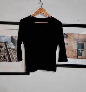 Quarter Sleeves Knit Sweater