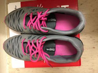 Women Reebok Sneakers size 8