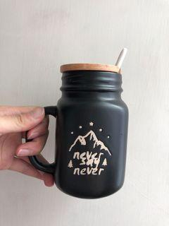青田燒 梅森陶瓷加蓋杯450ml(附湯匙)-黑色