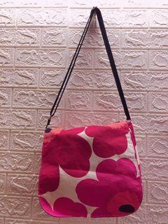 Marimekko 正櫃商品  紅花 帆布包 側背包