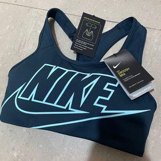 Nike womens sports bra medium size