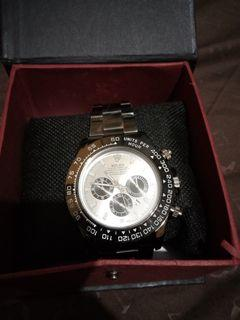 Rolex Premium.