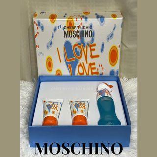 BNEW in box MOSCHINO EAU DE TOILETTE CHEAP & CHIC ILY SET