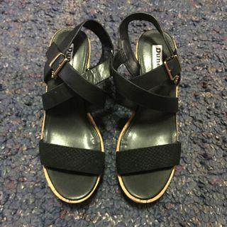 DUNE LEATHER STRAP AND CORK WEDGE SANDALS